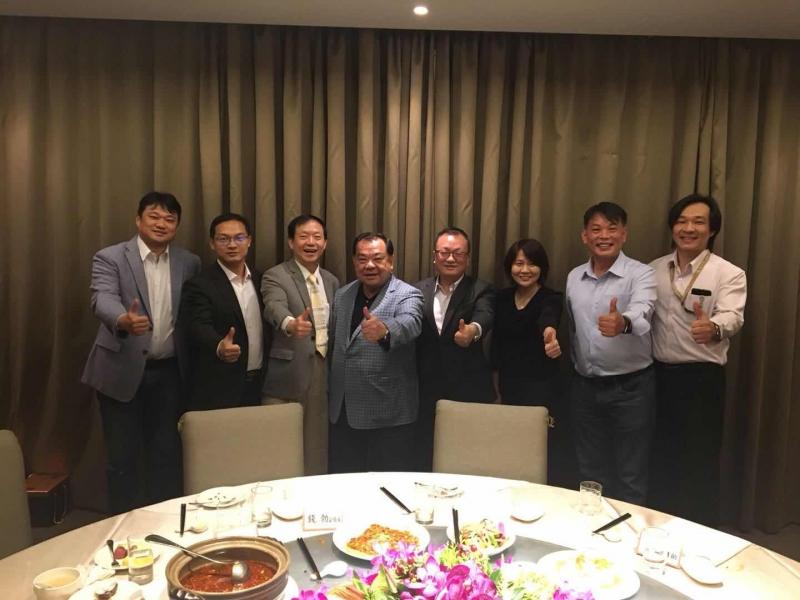 海峽兩岸經貿交流協會(海貿會)台北辦事處羅宏主任與錢勃副組長餐會